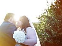 Мужчины, которые женятся на пышных женщинах, в 2 раза счастливее