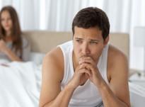 У мужчины проблемы в постели: как себя вести и чем помочь