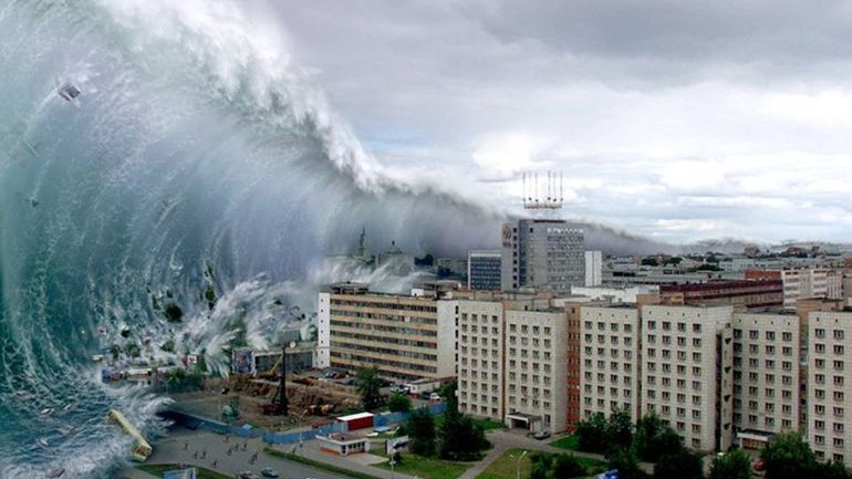 В Японии люди готовятся к Апокалипсису: цунами высотой в 30 метров может уничтожить страну!