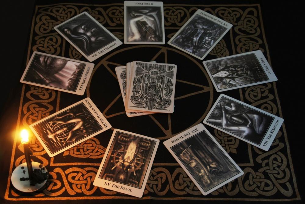 Таро Бафомета: расклады и значения карт