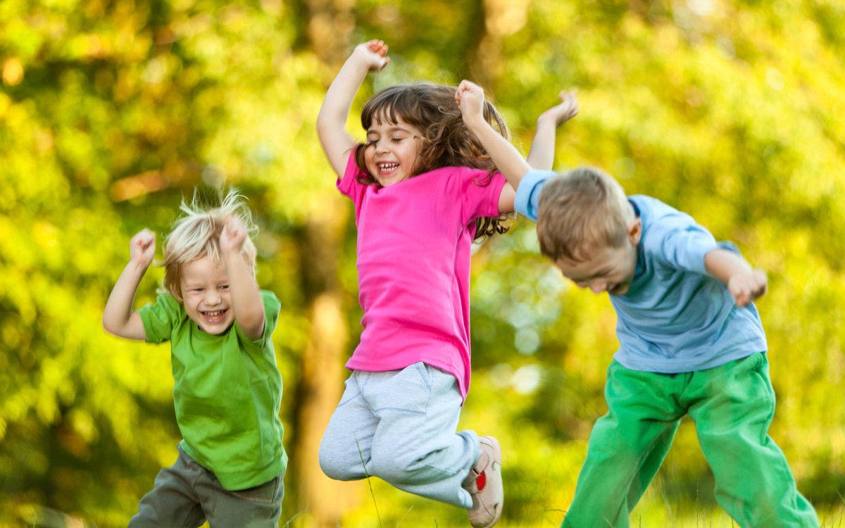 счастливые дети становятся богатыми взрослыми