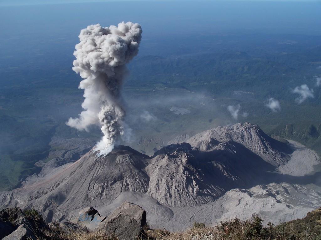 Число жертв извержения вулкана в Гватемале может увеличиться
