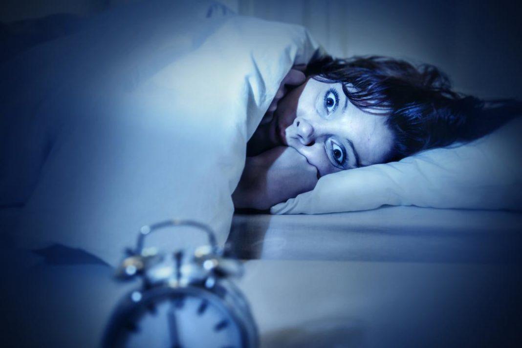 Психологи рассказали, чем опасен сонный паралич