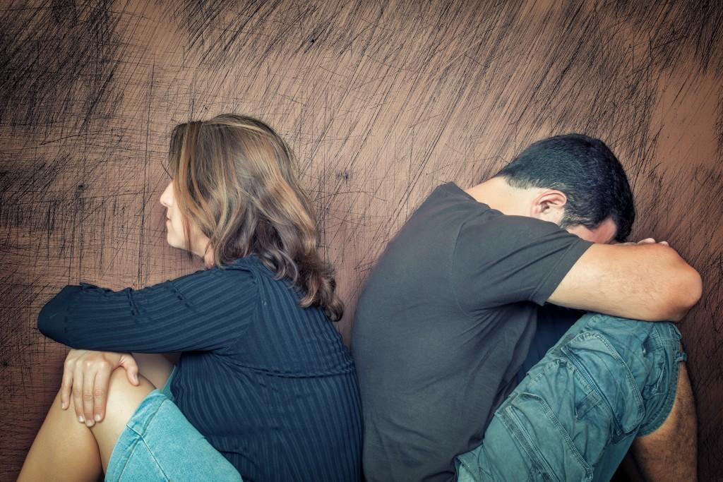 Почему мужья изменяют женам? Консультация экстрасенса онлайн
