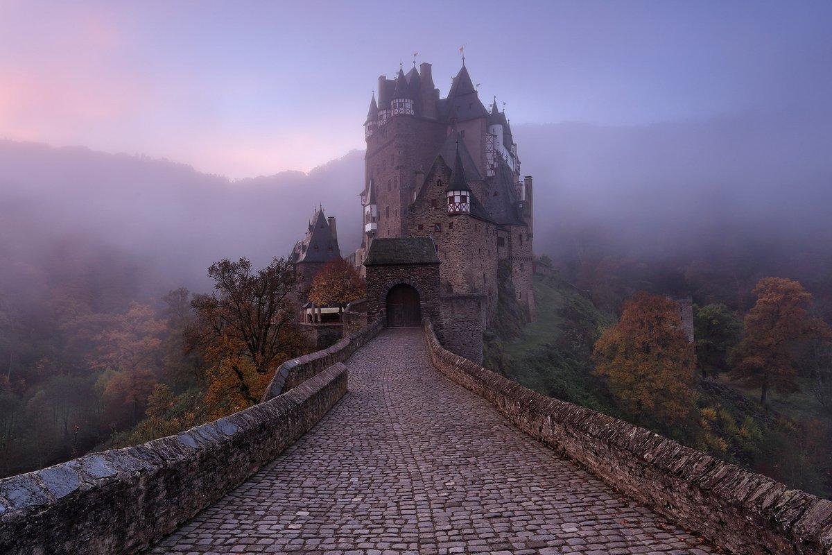 ТОП 7 замков с призраками