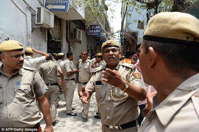 В Индии семья из 11 человек совершила ритуальное самоубийство, чтобы «спасти свои души»