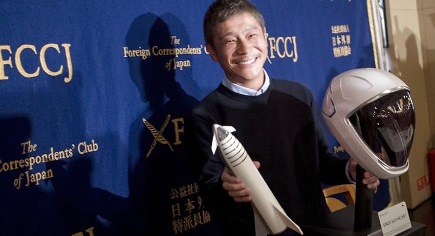 Полет на Луну бесплатно: японский миллиардер оплатит путешествие талантливым и веселым!