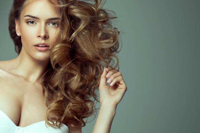 Если сильно выпадают волосы, ученые рассказали что делать в домашних условиях