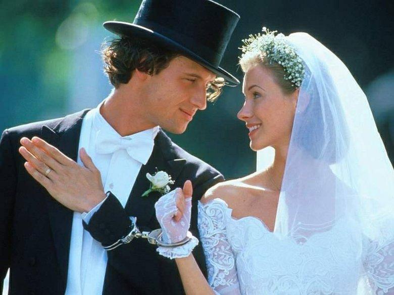 Что такое гостевой брак и кому он подходит