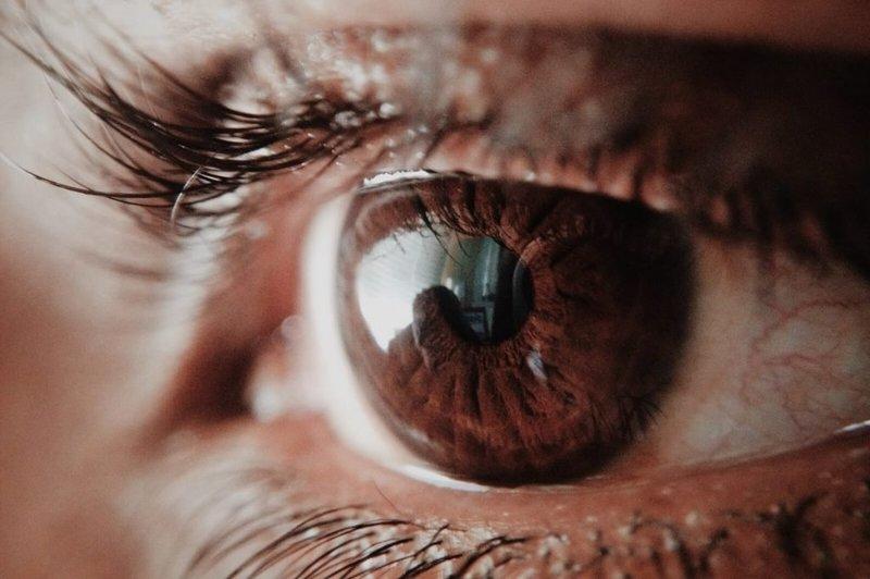 Интересные факты про энергетику людей с черными и карими глазами