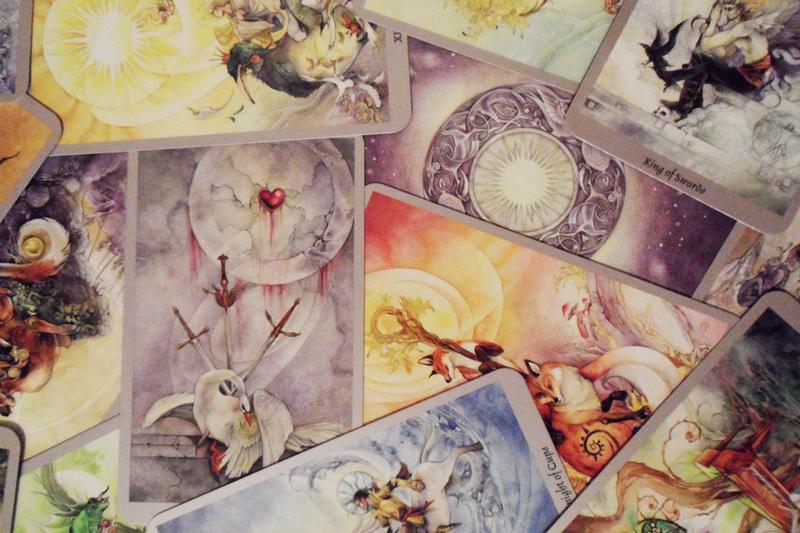 Карты Таро: история, виды и значение карт