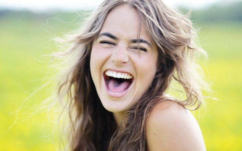 Что значит смеяться во сне?