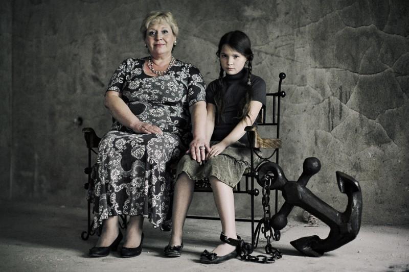 Откуда берутся одинокие девочки: виновата ли мама во всём на свете?