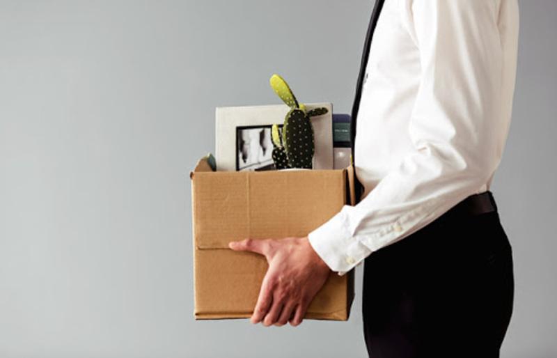 Заговор, чтобы не уволили с работы: антикризисные ритуалы