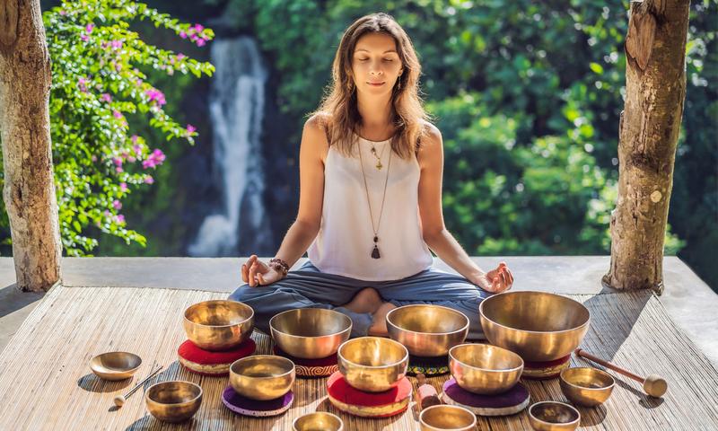 Тибетские поющие чаши: практика звукотерапии для тела и духа