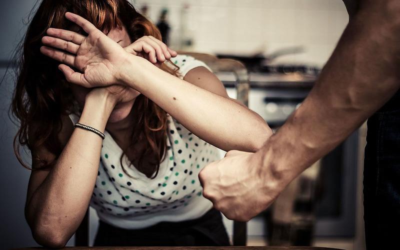 Что делать, если муж бьет?