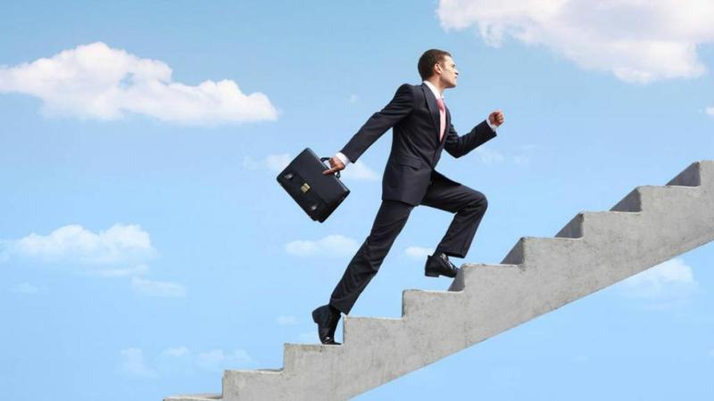 Хотите взлететь по карьерной лестнице? Действенные аффирмации на успех помогут