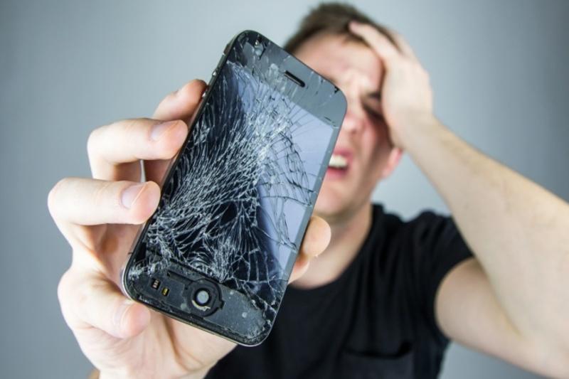 Народные приметы: разбить телефон — к неудаче?
